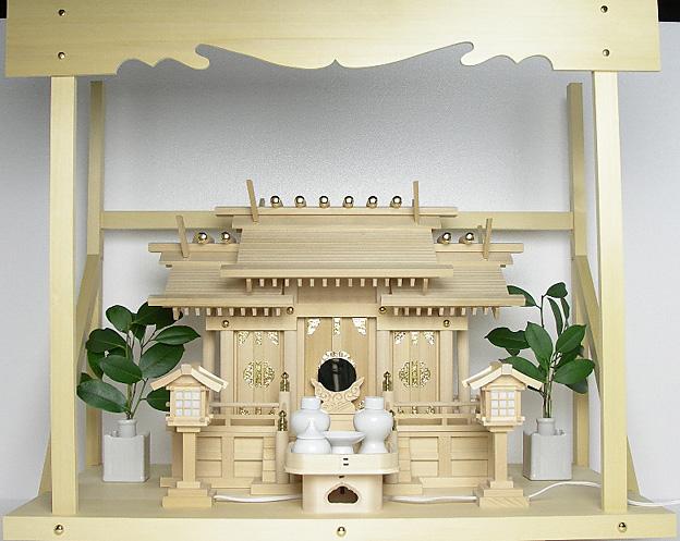 神棚 板葺屋根違い三社宮〈I-5〉+神具セット(ハーフ・小)+神棚板+雲板(大)のセット