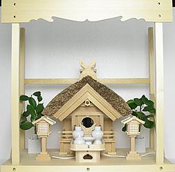 神棚 茅葺一社宮 妻入り型〈K-13〉+神具セット(ハーフ・小)+神棚板+雲板(中)のセット